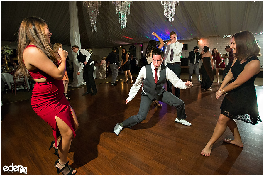 dancing photos at wedding