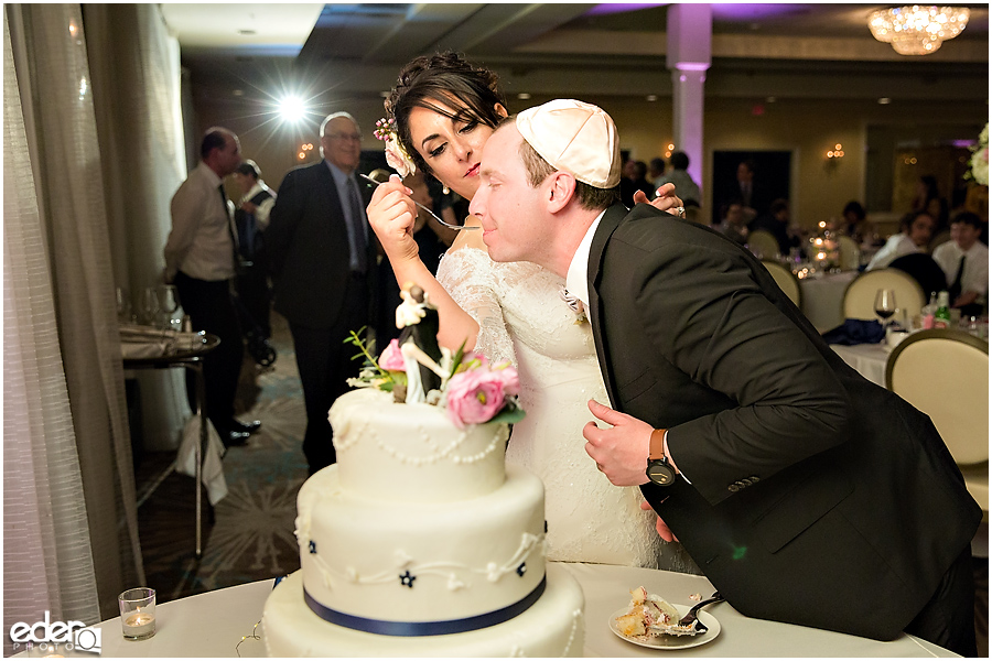 Kona Kai Wedding reception cake cutting.